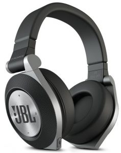 the best headphones under 200 the wire realm us99. Black Bedroom Furniture Sets. Home Design Ideas