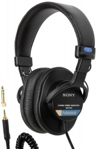 Another pair of closed studio headphones to look at