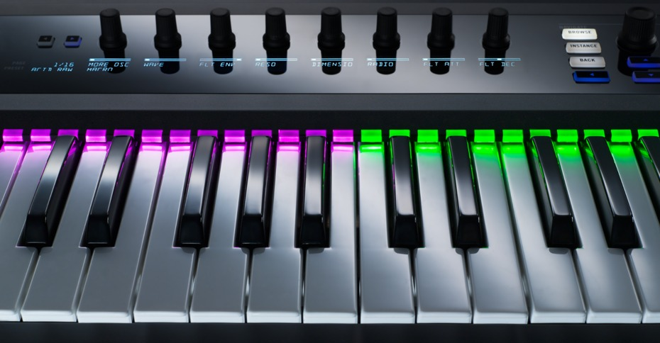 native instruments kontrol s49 midi keyboard review the wire realm