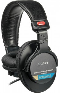 An extremely reliable pair of starter studio headphones
