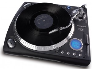 Another great pick for a DJ turntable