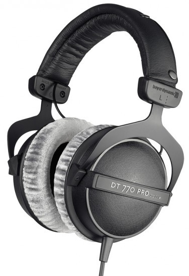 Closed-back headphones information