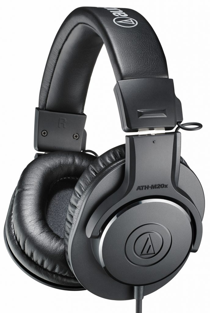 Noise isolating headphones pros