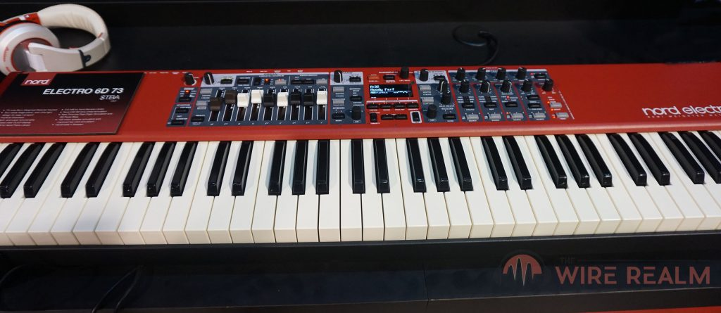 A close up of the Electro 6 electronic piano
