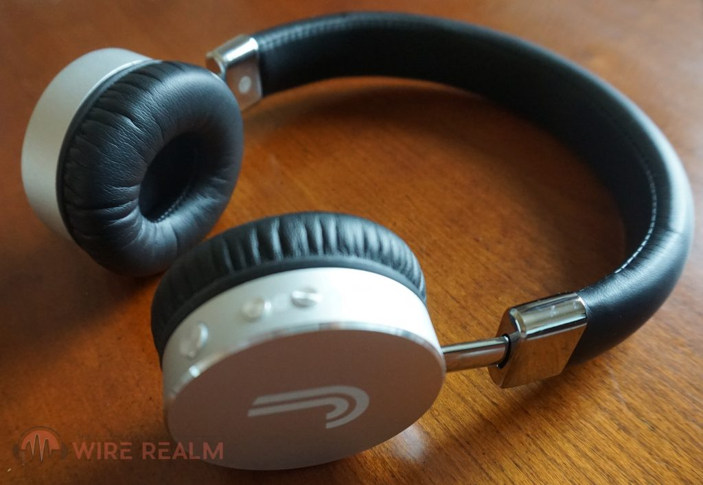 The Studio43 Bluetooth on-ear headphones by Fanstereo
