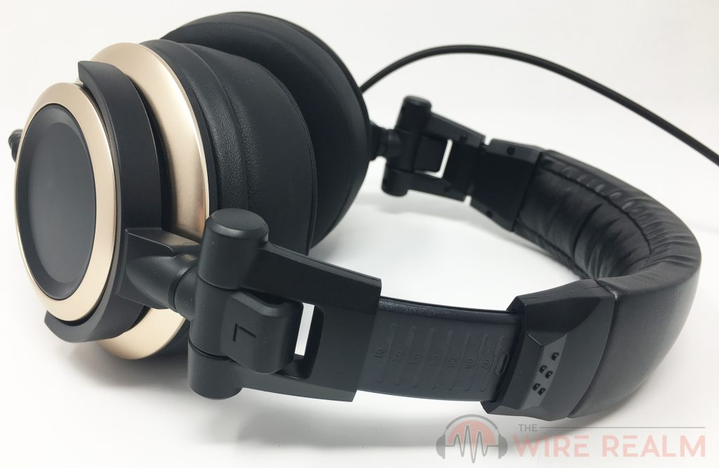 A side view of the CB-1 closed-back headphones