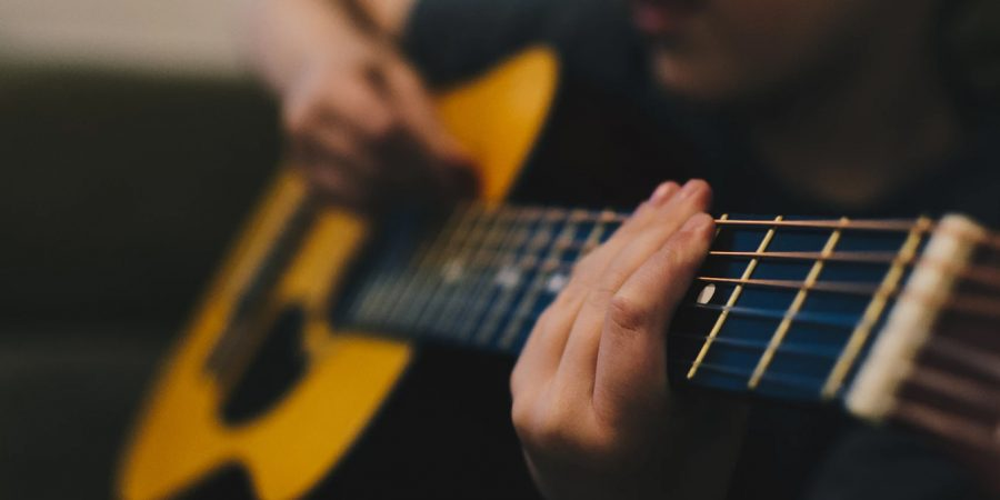 How to Learn to Play the Guitar — A Beginners Guide